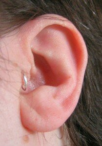 Pros and Cons of Tragus Piercing